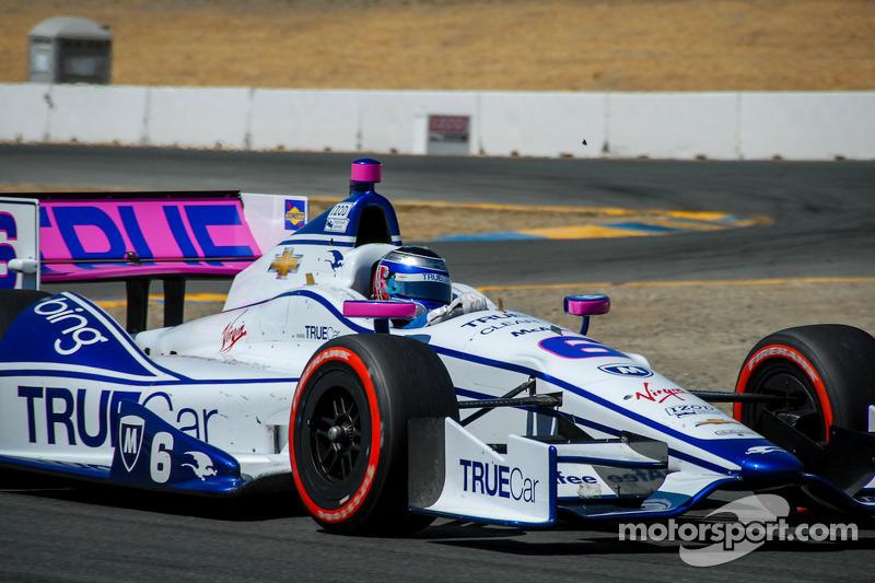 ...en Sonoma 2012 su IndyCar también tenía detalles rosas