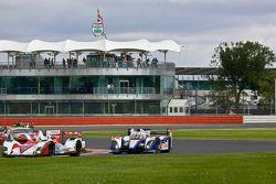 #42 Greaves Motorsport Zytek Z11SN Nissan:Martin Brundle, Alex Brundle, Lucas Ordonez #7 Toyota Raci