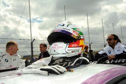 Andy Priaulx, BMW Team RBM; helm