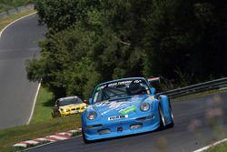 #614 Porsche 911 RSR: Pavel Karmanov, Oleg Kvitka