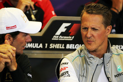 Pedro De La Rosa, HRT Formula 1 Team y Michael Schumacher, Mercedes AMG F1 en la Conferencia de pren