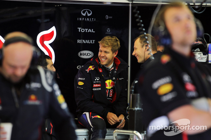 Sebastian Vettel, Red Bull Racing met mecaniciens