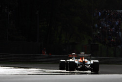Nico Hulkenberg, Sahara Force India F1 y Pedro De La Rosa, HRT Formula 1 Team