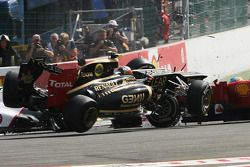A crash at the start involving Lewis Hamilton, McLaren, Romain Grosjean, Lotus F1, Fernando Alonso,