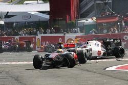 Льюис Хэмилтон и Камуи Кобаяши. ГП Бельгии, Воскресная гонка.