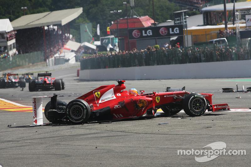 Fernando Alonso - 7 abandonos en la primera vuelta