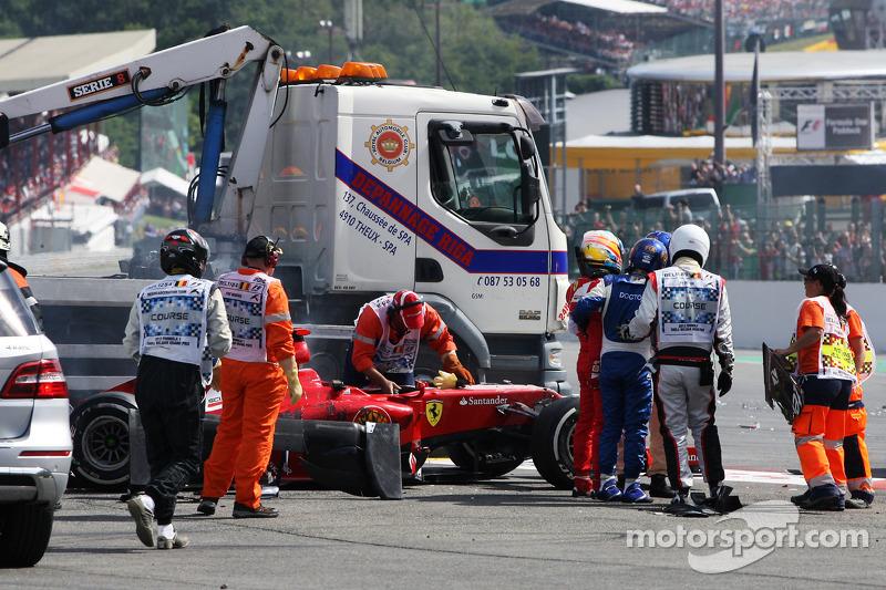 Fernando Alonso, Ferrari na crash bij de start