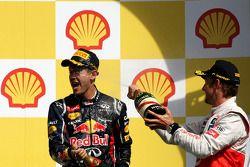 Дженсон Баттон и Себастьян Феттель. ГП Бельгии, Воскресенье, после гонки.