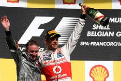 Podio: Paddy Lowe, McLaren Mercedes y el ganador Jenson Button, McLaren Mercedes