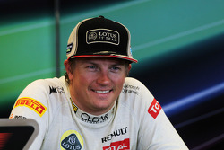 Tercer puesto Kimi Raikkonen, Lotus F1 Team en la Conferencia de prensa FIA