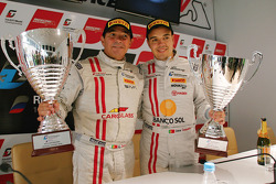 Race winners Ni Amorim, Cesar Campanico
