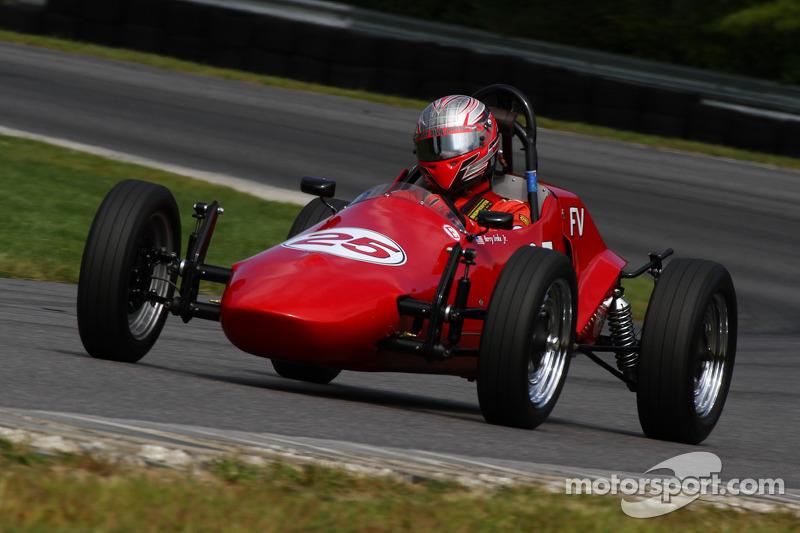 25 Harry Sroka, Jr  Egg Harbor, N J  1967 Autodynamics