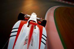 De nieuwe GP3-13 car op circuit