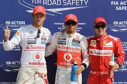 Ganador de la pole Lewis Hamilton, McLaren Mercedes el segundo puesto Jenson Button, McLaren Mercede