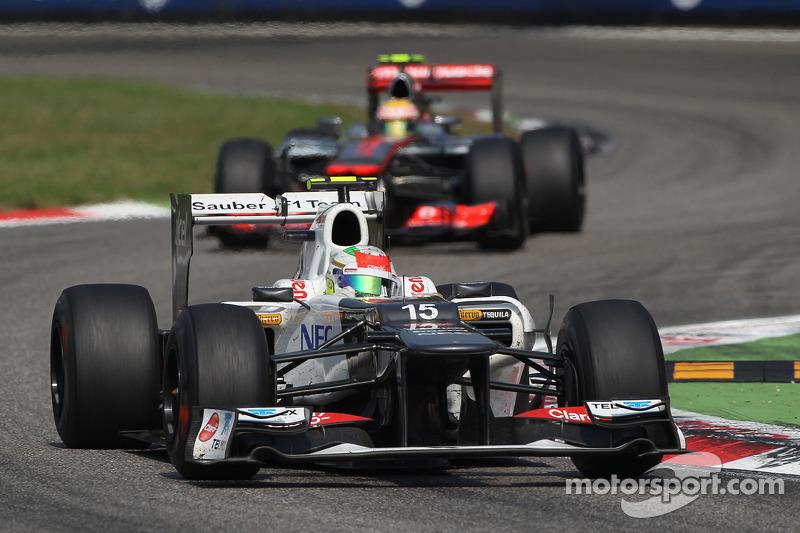 Sergio Perez, Sauber lidera a Lewis Hamilton, McLaren