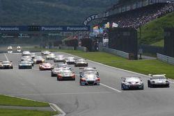 GT300 start: #31 APR Toyota Prius: Morio Nitta, Koki Saga leads #33 Hankook KTR Porsche 911 GT3 R: M