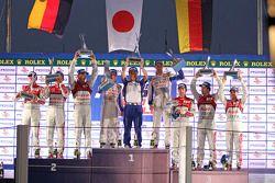 Podium: race winners Nicolas Lapierre, Alexander Wurz, second place Benoit Tréluyer, Marcel Fässler,