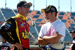 Clint Bowyer et Martin Truex Jr.