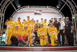 IndyCar Series 2012 champion Ryan Hunter-Reay, Andretti Autosport Chevrolet celebrates with Michael Andretti and Andretti Autosport team members