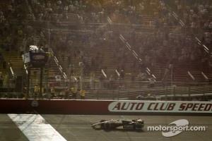 Ed Carpenter, Ed Carpenter Racing Chevrolet takes the checkered flag