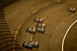Tony Kanaan, KV Racing Technology Chevrolet leads the field