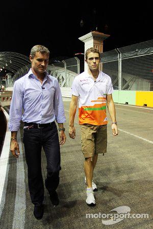 Paul di Resta, del Sahara Force India F1 recorre el circuito junto a David Coulthard