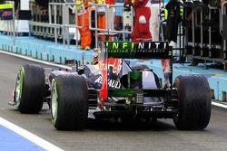 Sebastian Vettel, Red Bull Racing running flow-vis paint on the rear wing