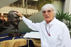 Bernie Ecclestone, CEO Formula One Group, pays his respects to the late Sid Watkins, Former FIA Safe