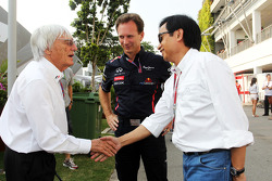 Bernie Ecclestone, CEO Formula One Group, with Christian Horner, Red Bull Racing Team Principal and Chalerm Yoovidhya, Red Bull Racing Co-Owner