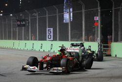 Felipe Massa, Ferrari con el neumático trasero pinchado al comienzo de la carrera