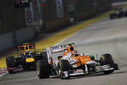 Nico Hulkenberg, Sahara Force India F1 y Mark Webber, Red Bull Racing