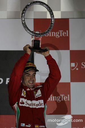 Podio: tercer lugar Fernando Alonso, Scuderia Ferrari