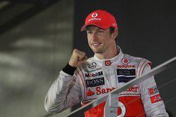Podio: segundo lugar Jenson Button, McLaren Mercedes