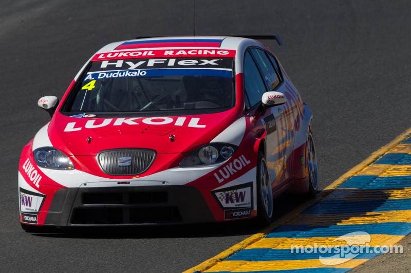 WTCC/Формула Renault 2.0: Lukoil Racing Team