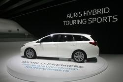 Toyota Auris Hybrid TS