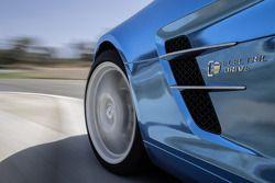 Презентация Mercedes AMG SLS с электромотором, особое событие.