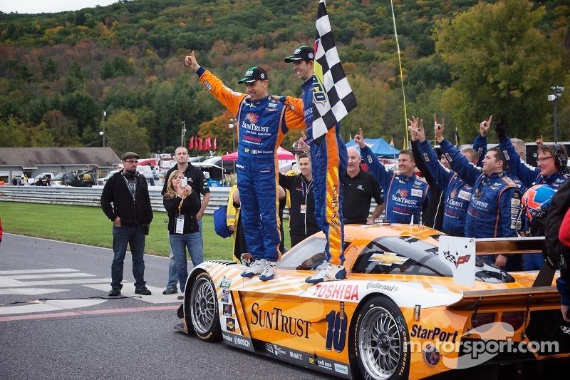 Race Winners #10 SunTrust Racing Corvette DP: Max Angelelli, Ricky Taylor