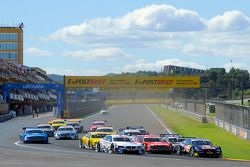 Start, Miguel Molina, Audi Sport Team Phoenix Racing Audi A5 DTM; Martin Tomczyk, BMW Team RMG BMW M