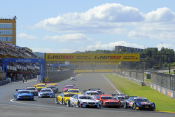 start, Miguel Molina, Audi Sport Team Phoenix Racing Audi A5 DTM; Martin Tomczyk, BMW Team RMG BMW M3 DTM