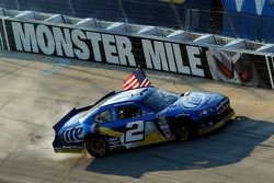Winnaar Brad Keselowski, Penske Racing Dodge