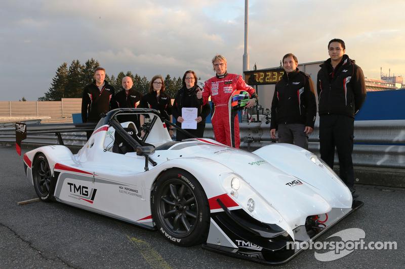 Jochen Krumbach met de TMG EV P002 naar nieuw record voor elektrische voertuigen