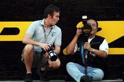 Russell Batchelor, XPB Images Fotoğrafçısı ve Hiroshi Kaneko, Fotoğrafçısı