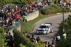 Yvan Muller en Guy Leneuve, Mini John Cooper Works WRC