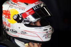 Sebastian Vettel, Red Bull Racing met Japanse helm