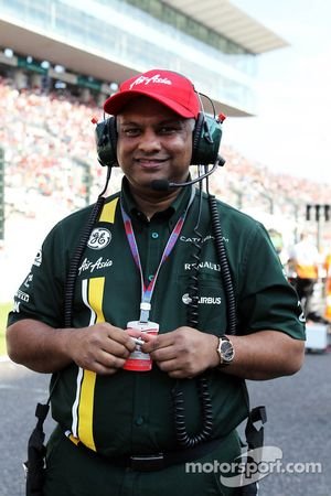 Tony Fernandes, Caterham Takım Patronu gridde