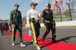 Vitaly Petrov, Caterham ve Heikki Kovalainen, Caterham ve Kimi Raikkonen, Lotus F1 Team pilotlar geç