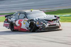 Kasey Kahne, Hendrick Motorsports Chevrolet limps back to the pits