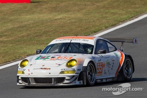 #55 JWA-AVILA Porsche 911 RSR: Joel Camathias, Kenji Kobayashi, Paul Daniels