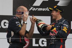 Podium: Adrian Newey, Red Bull Racing Chief Technical Officer with 1st place Sebastian Vettel, Red B