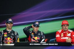 Mark Webber, Red Bull Racing, Sebastian Vettel, Red Bull Racing and Fernando Alonso, Scuderia Ferrari